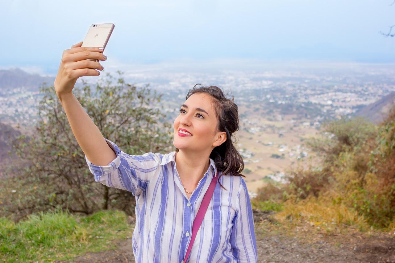 selfie cestování ve skupině