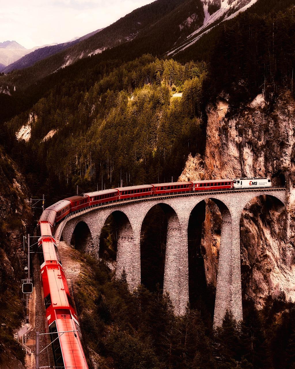 Švýcarsko nabízí hustou síť železnic a kvalitní vlaky.