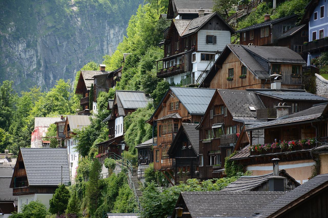Rakouské domy v horách.