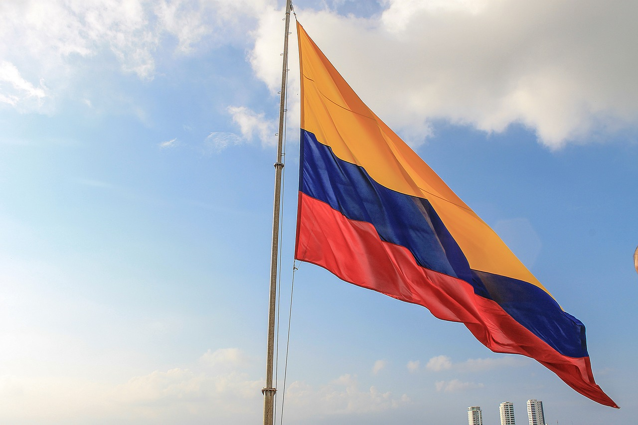 Kolumbijci poslouchají v rádii a televizi hymnu 2x denně.