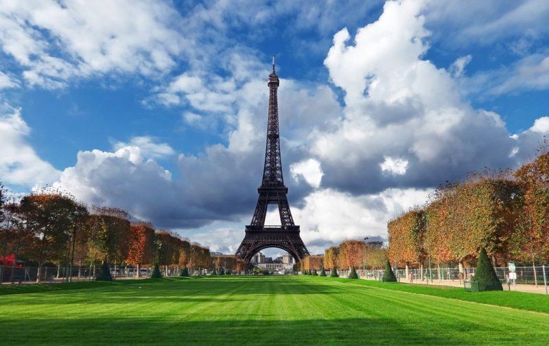 Francie je nejnavštěvovanějším státem světa.
